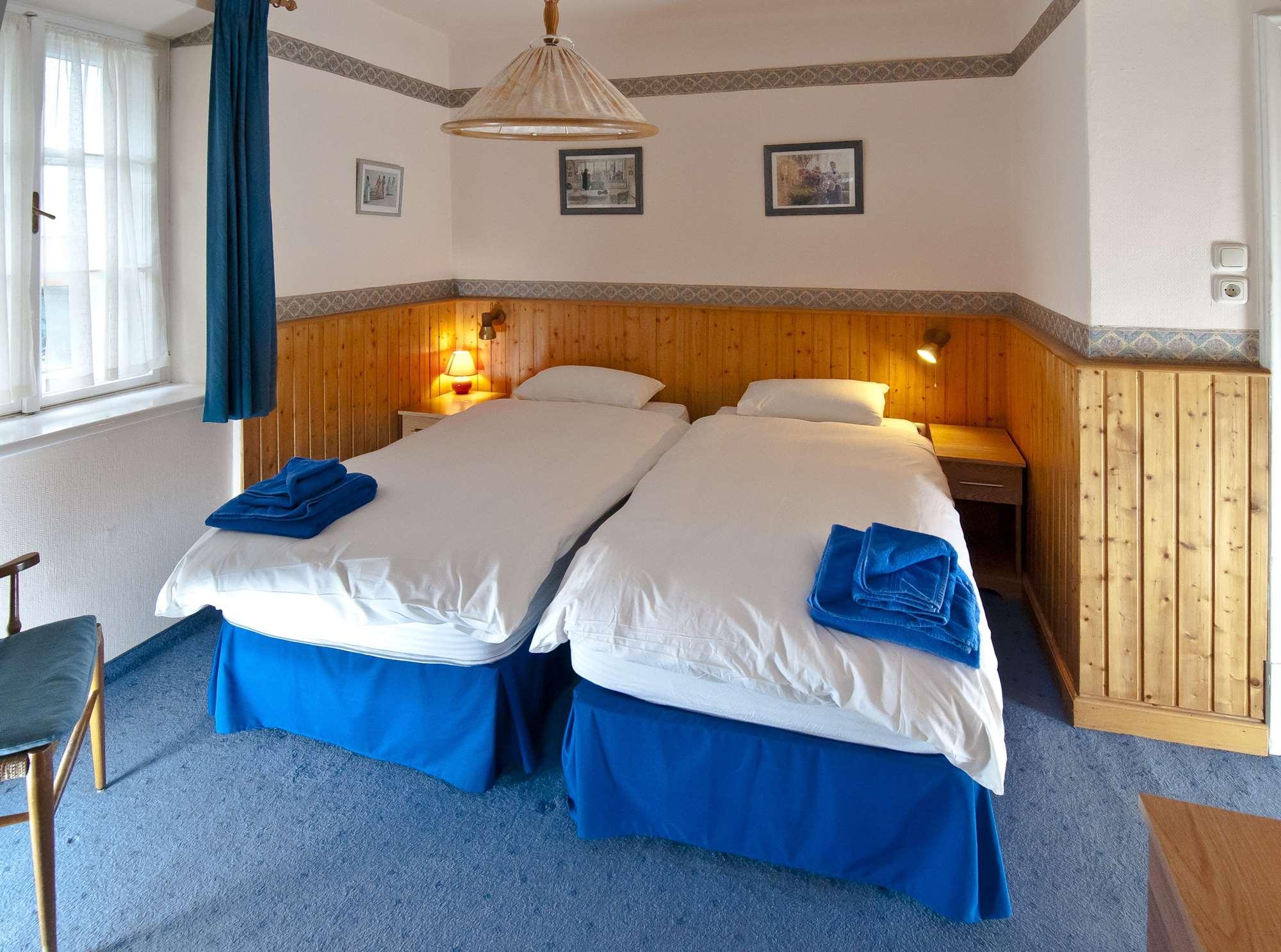 Twin room in the Tannenburg in Bad Gastein