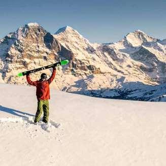 Skier in Lauterbrunnen