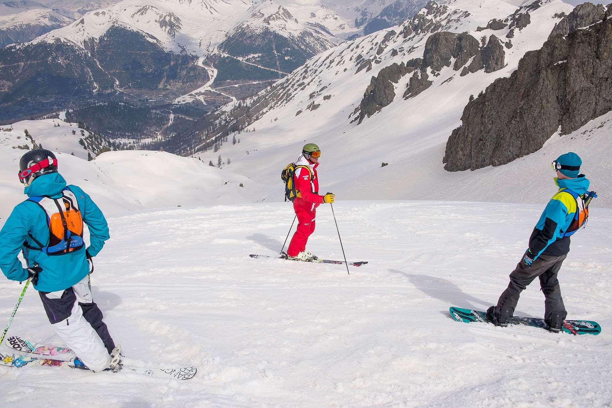 Off-piste ski guiding in Montgenevre