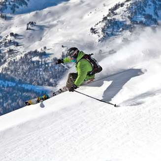Off-piste skiing in Baqueira